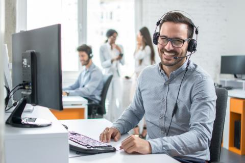 Six tips to boost your remote customer service team in 2021